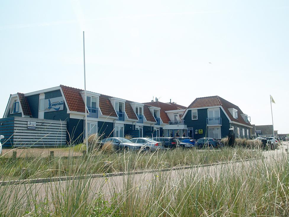 Camperduin appartementen ontworpen door Admiraal Stoute Architectenburo
