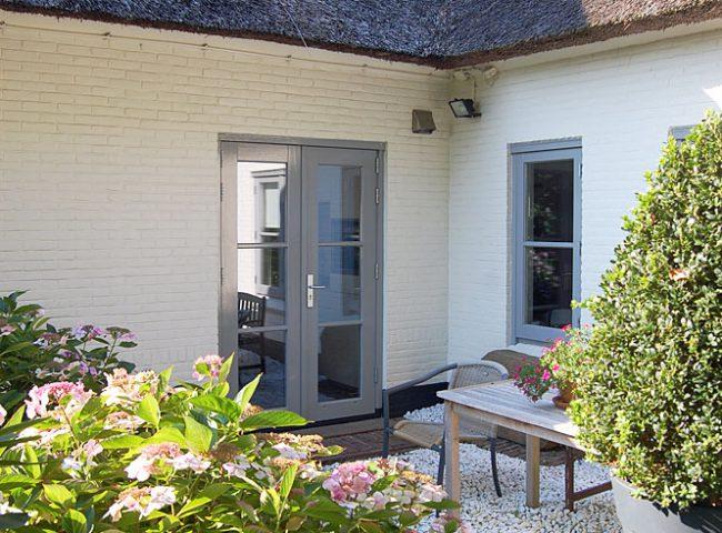 Nieuw gevelkozijn rechter zijgevel verbouw vrijstaande villa Bergen Admiraal-Stoute