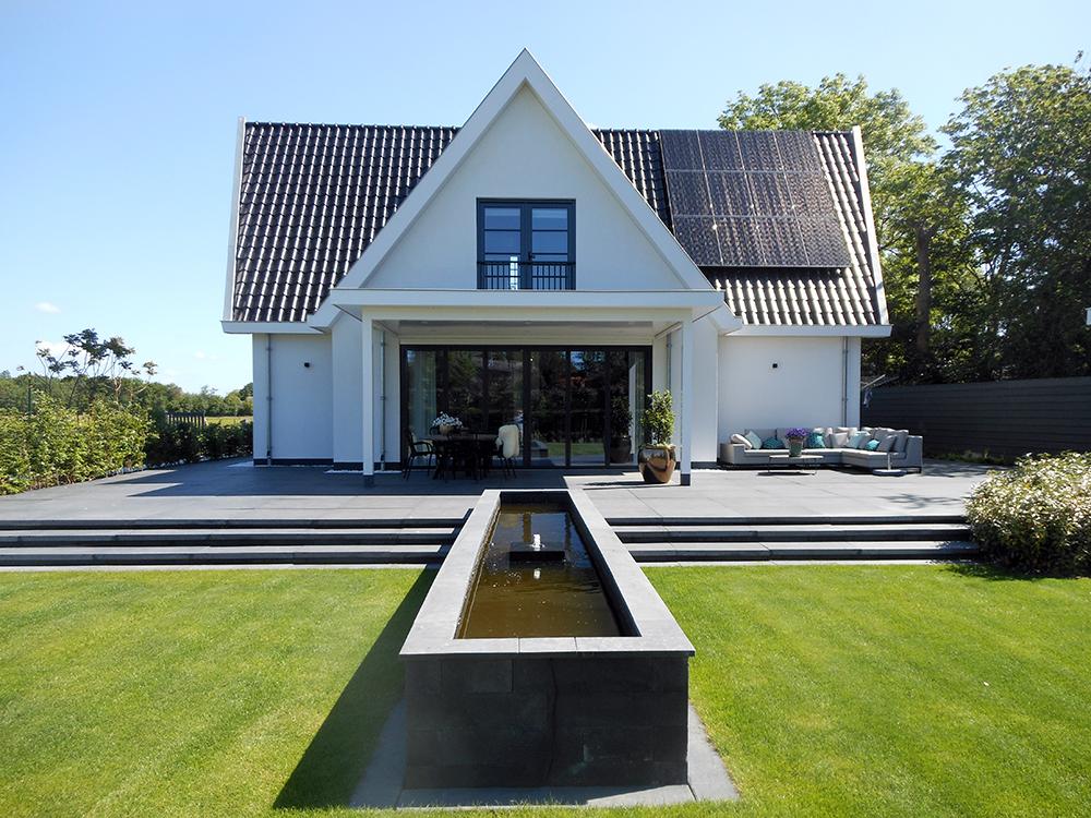 wit vrijstaand huis met kruiskap 1 - Architectenburo Admiraal Stoute